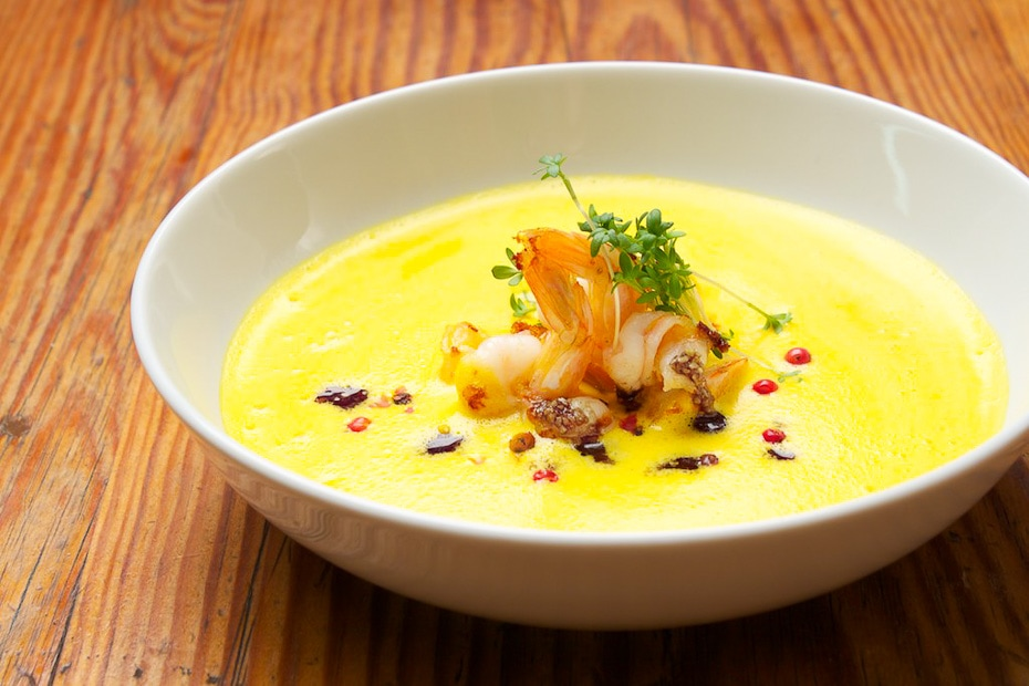 pumpkin soup with prawns and coconut milk