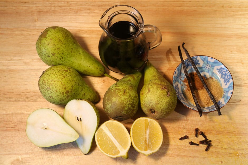 Ingredients for red wine pears