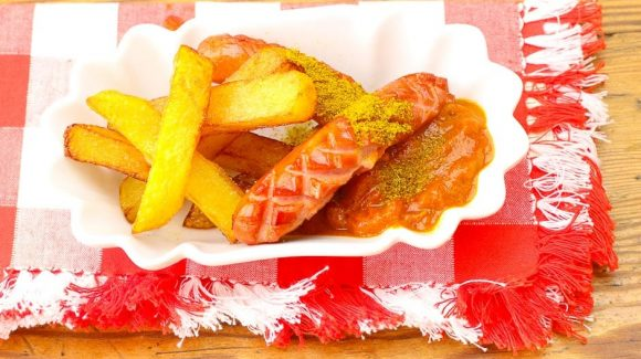 German Style Curry sausage with french fries recipe picture