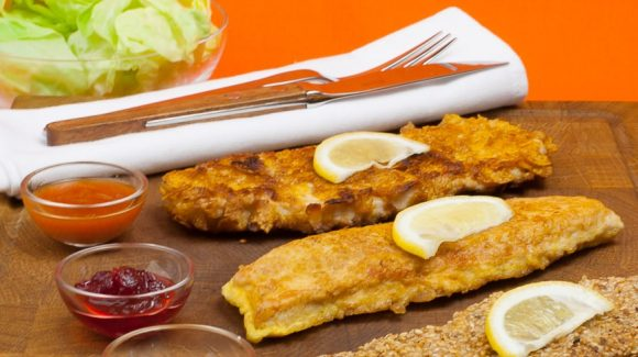 Schnitzel in egg coating, prepared with veal it is a Schnitzel Parisian style.