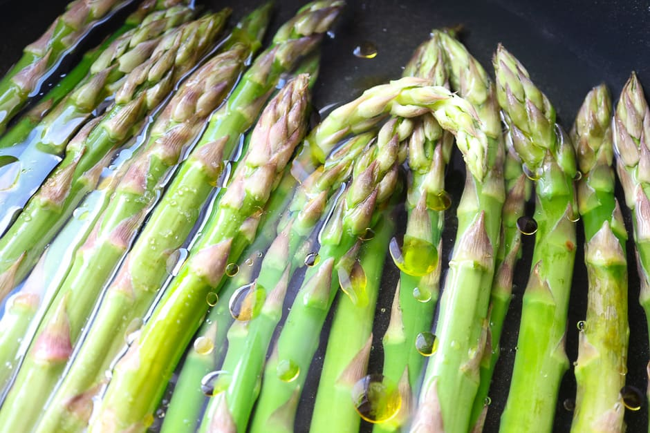 Founder asparagus while cooking in the pot.