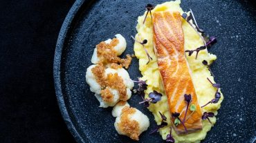 Salmon on mashed potatoes Recipe picture