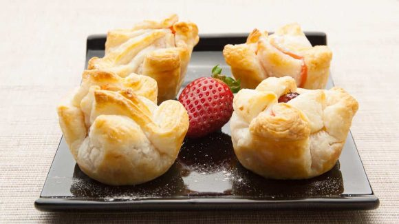 Strawberries with puff pastry