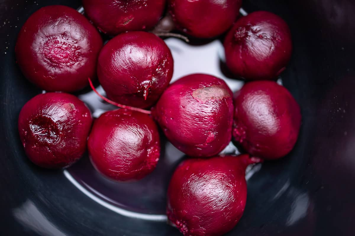 Boiled beetroot in the pot