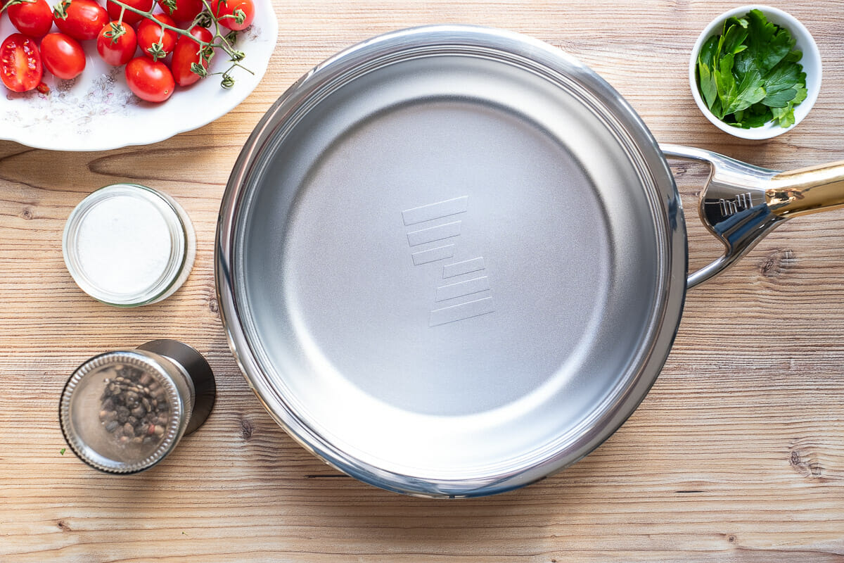 New stainless steel pan