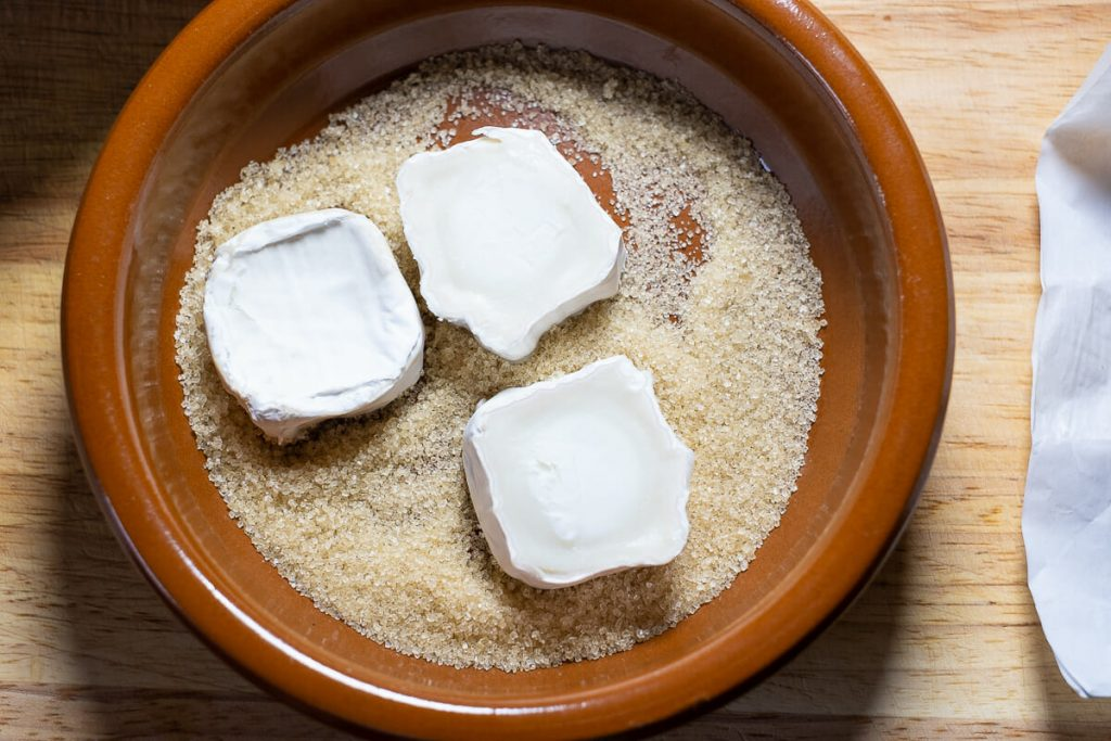 Goat cheese slices in sugar