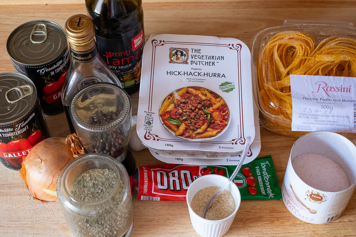 Ingredients for minced meat sauce