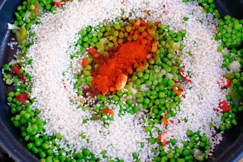 Rice with peas and peppers