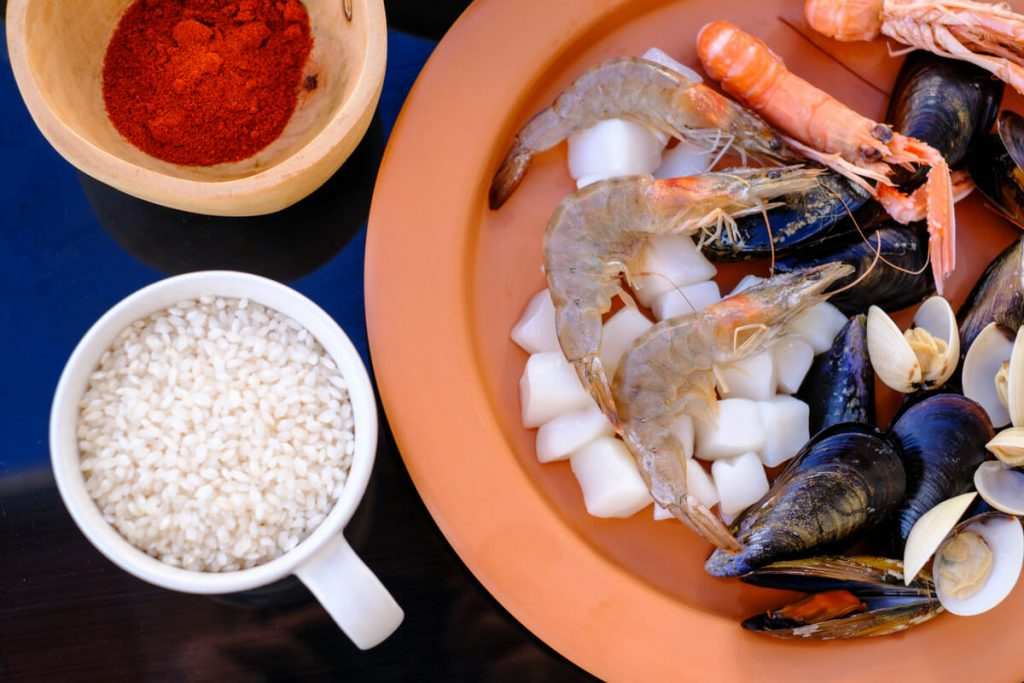 Seafood rice and peppers