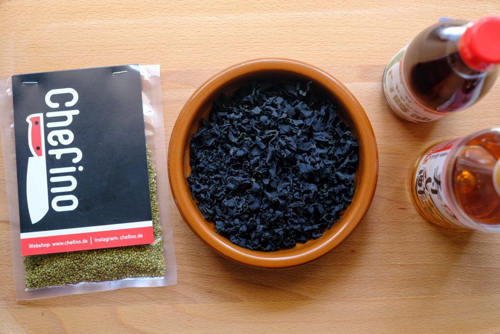 Ingredients for wakame salad
