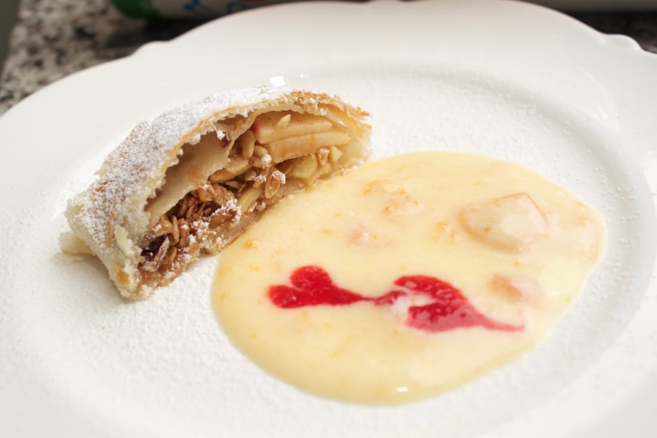 A Dessert with a Twist: Apple Strudel with Granola, and Apricots-Vanilla Cream