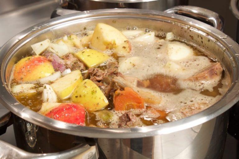 Zubereitung einer Sauce für Gans. Rezept mit Bild.
