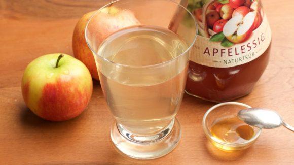 Apfelessigtrunk: Apfelessig Honig Drink für den gesunden Start am Morgen. Bild und Rezept (c) Thomas Sixt.