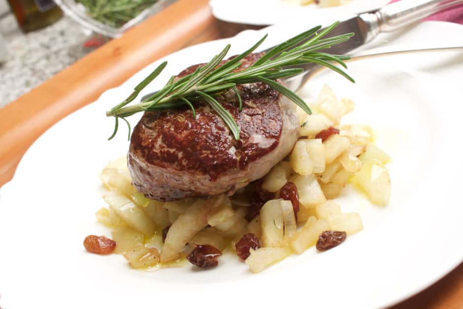 Fillet Steak on Fennel, a quick, summery Steak Recipe