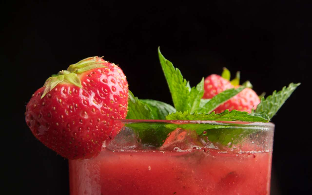 Strawberry Shake in different Variations, Wiki Article with Recipe and many Tips