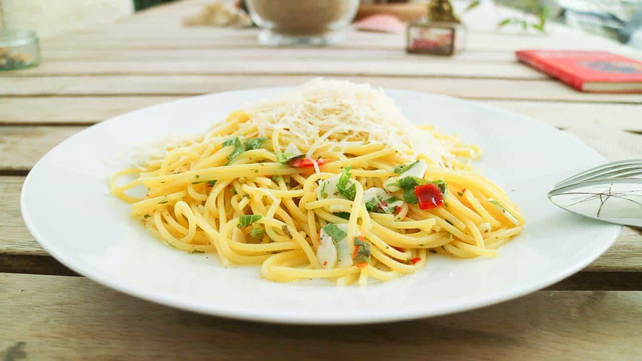 Spaghetti Aglio e Olio Rezept mit original Tipps aus Italien