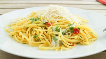 spaghetti-aglio olio sommerlich rezept