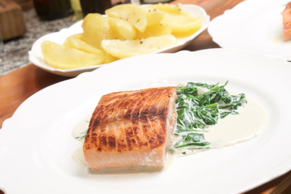 Recipe picture of salmon with spinach