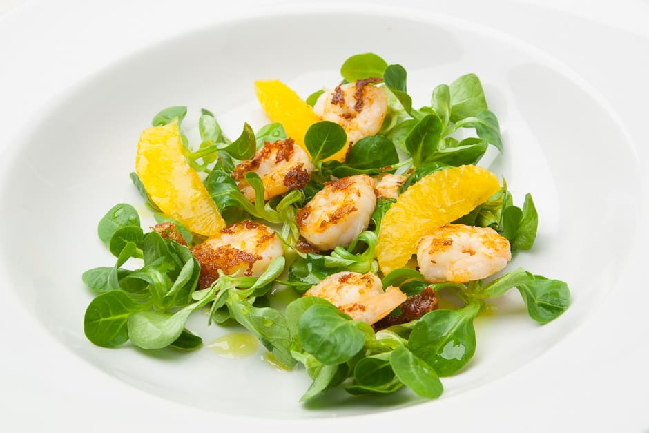 Salad with Prawns simply deliciously prepare.  Leaf Salad Recipe with fine Dressing and Tips from the Chef