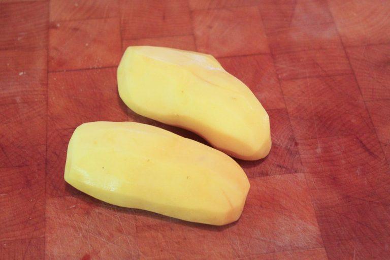 geschälte Kartoffeln für Reibekuchen
