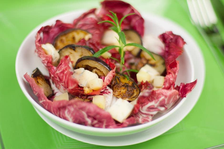 Radicchio Salat schmeckt mit dem richtigen Salat-Dressing