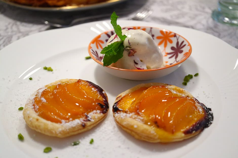 Prepare apricot tart with puff pastry to taste. Step by Step Kitchen Story