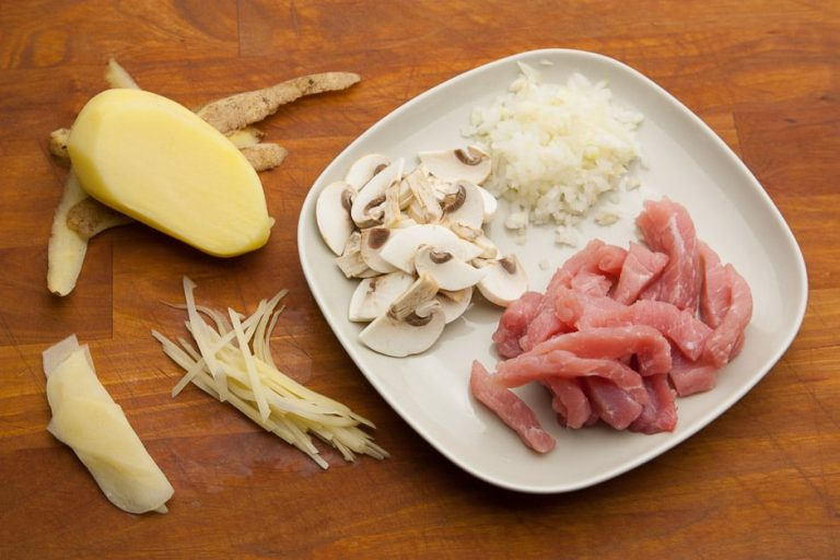 zuericher sliced ingredients meat, mushrooms, onions in cubes