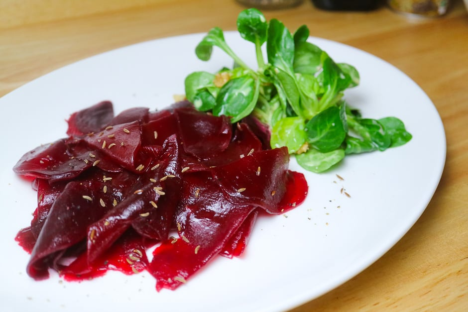 Beetroot carpaccio as vegetarian variant to the classic carpaccio with beef fillet.