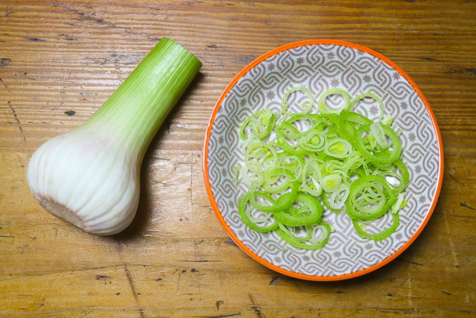 Young garlic ideal for asparagus risotto!
