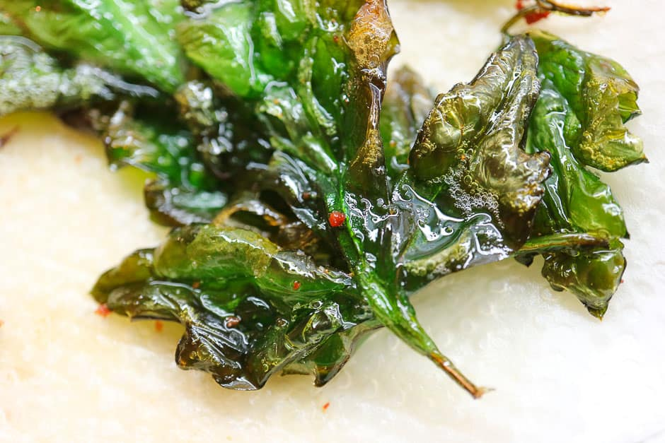 Crispy fried parsley for herb curd cheese