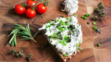 Kräuterquark Brot Rezept Bild