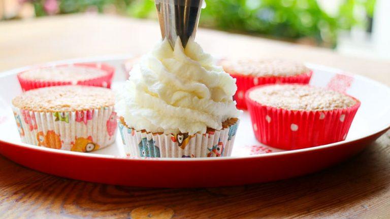 Cupcakes schön dekorieren.