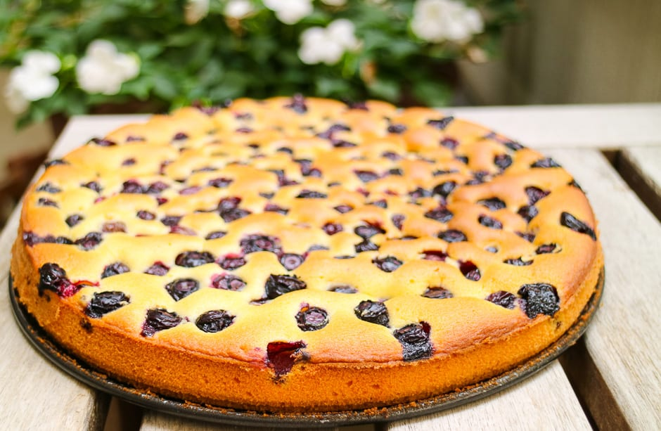 Blueberry Cake Recipe – a Fruit Cake with a quick Batter