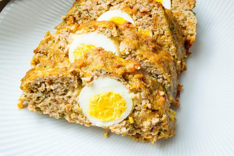 Falscher Hase gefüllt mit Ei, dieser Hackbraten schmeckt lecker!