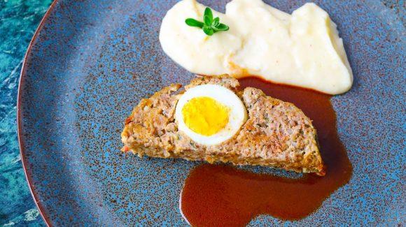 Falscher Hase oder Hackbraten Rezept Bild mit Soße und Kartoffelpüree