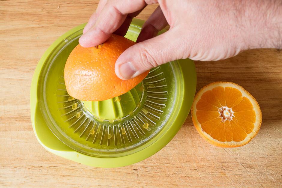 Orangen auspressen
