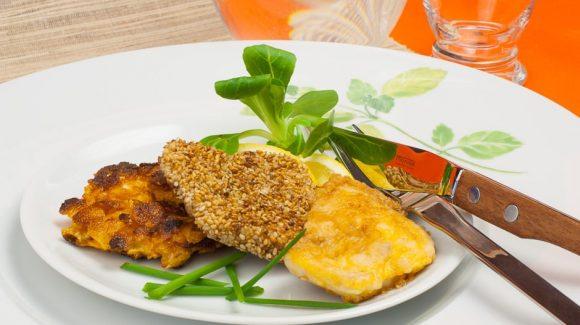 Schnitzel mit Cornflakes panieren Rezept Bild