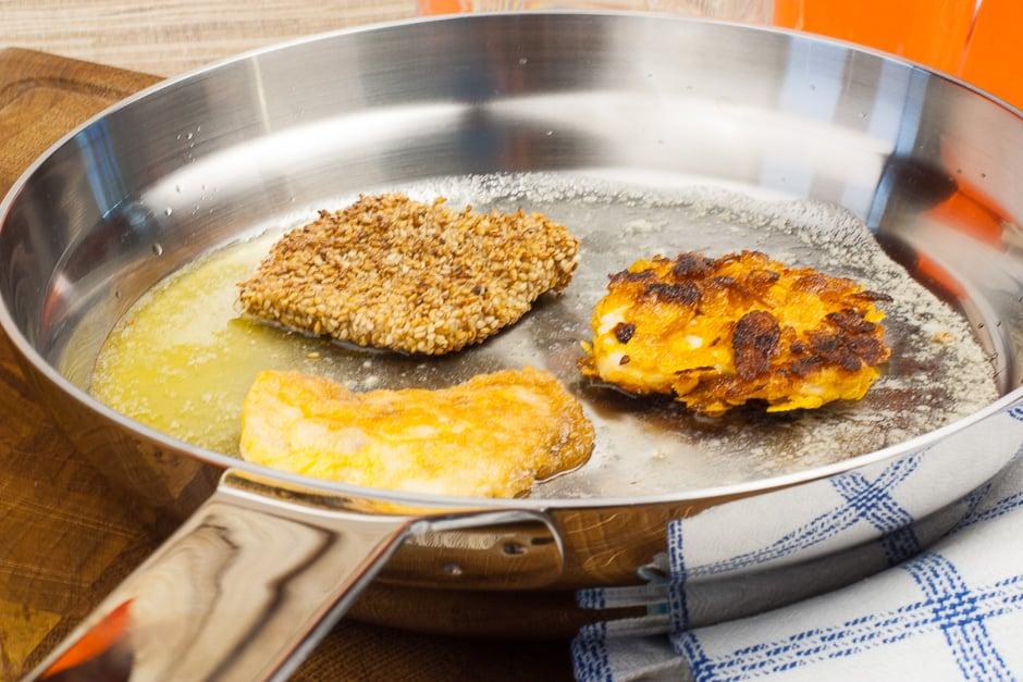Schnitzel Cornflakes zubereiten.