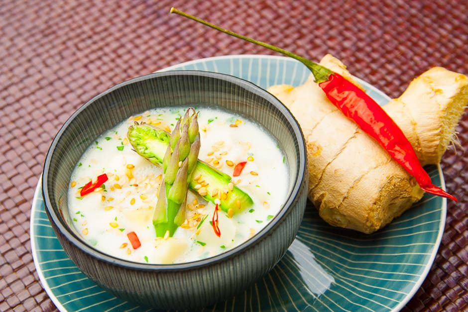 Recipe picture for asparagus soup with coconut milk.
