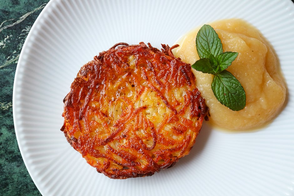 "German crispy potato fritter named ""Reibekuchen"" recipe picture"