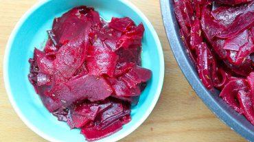 Rote Bete und rote Rüben Salat