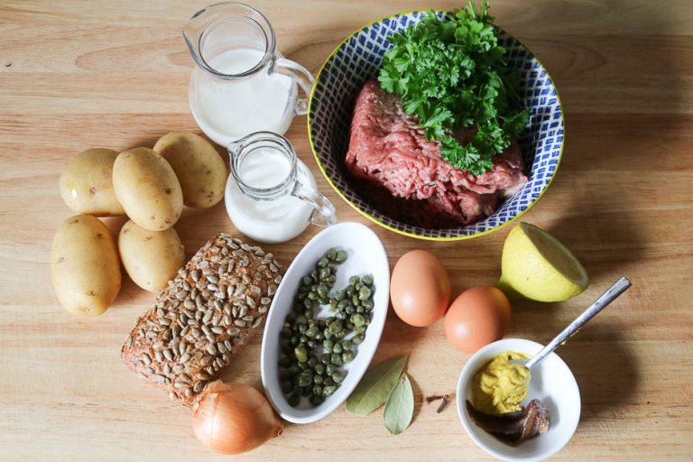 Zutaten für Klopse mit Kapernsoße