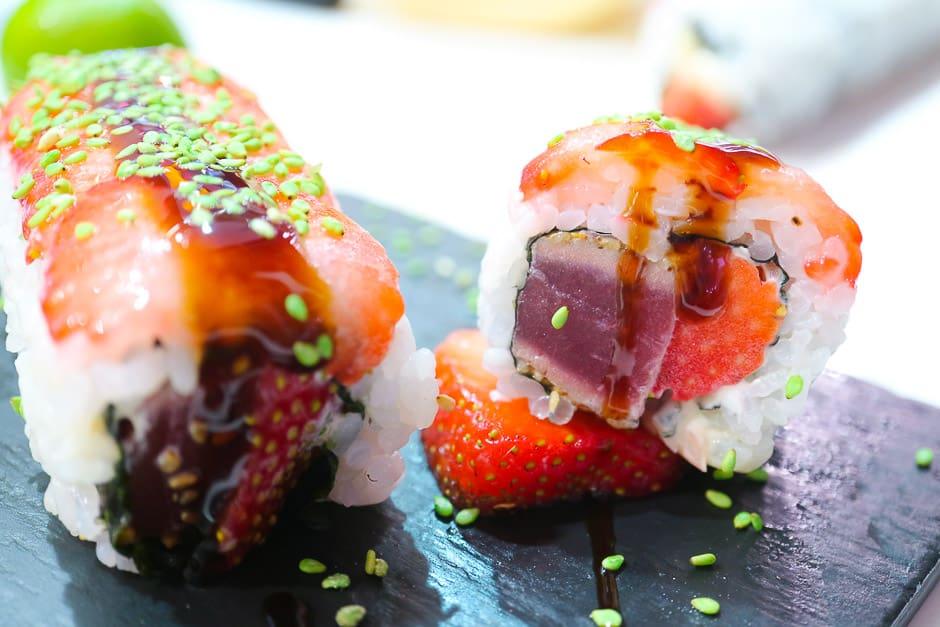 Erdbeersushi mit Thunfisch