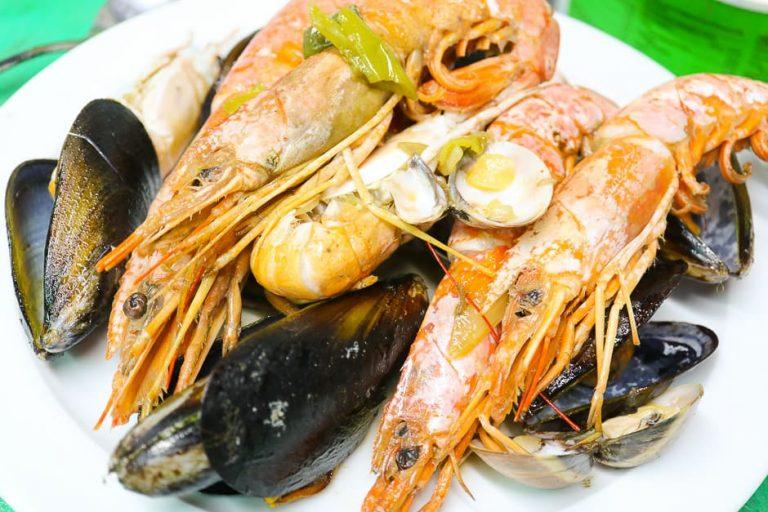 Meeresfrüchte und Fisch angebraten
