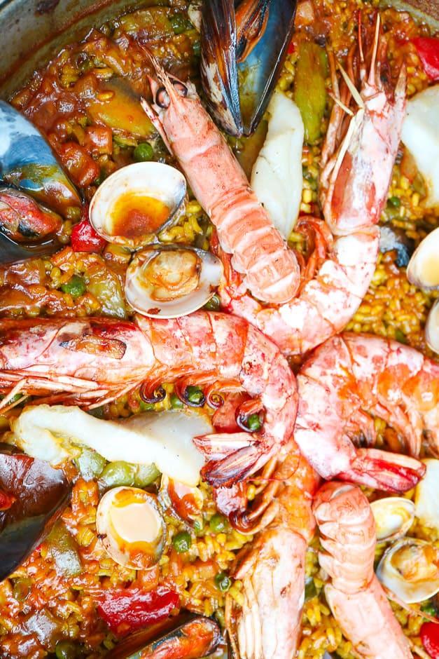 Paella im Ofen vollenden