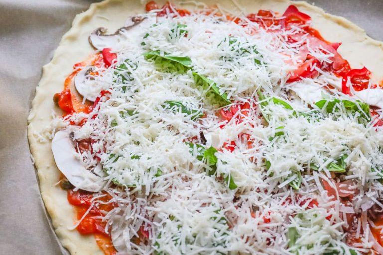 Pizza mit Käse