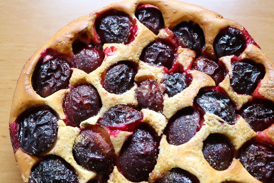 Obstkuchen mit Zwetschgen