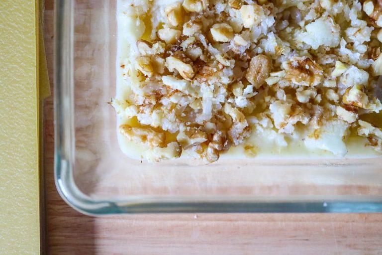 Vegetarische Lasagne einfüllen