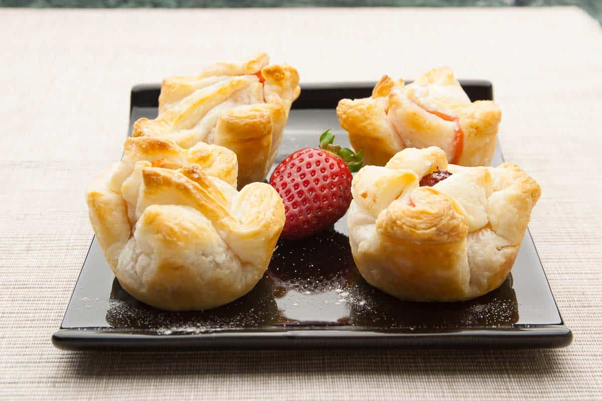 Puff Pastry with Strawberries, Recipe with professional Tips to make Strawberry Puff Pastry yourself