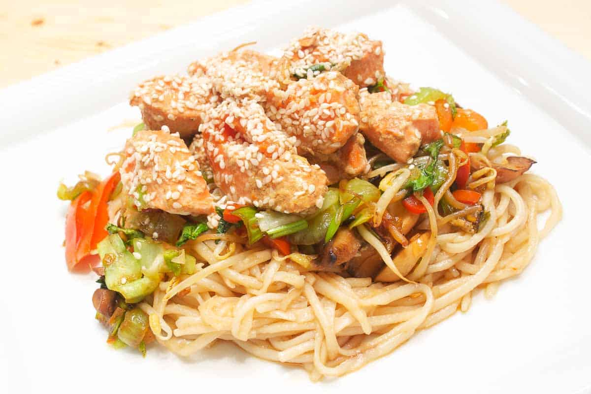 Asian Salmon Noodles, Recipe with Video and Chef Tips, sure to succeed!